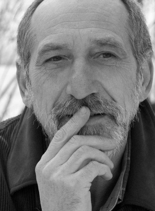 Емил Андреев: Налице е смазващо многообразие и свръхсловесност