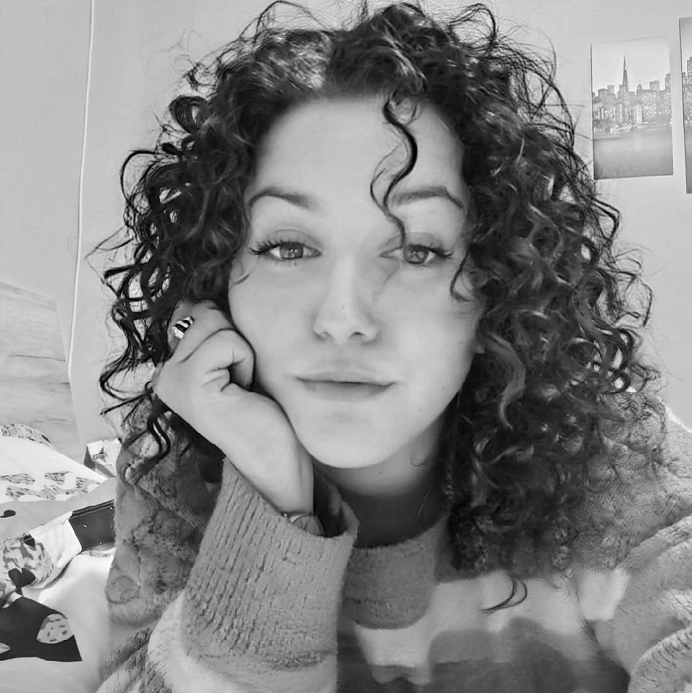 Камелия Панайотова: Младото поколение злоупотребява с тъгата. Малко неща са смъртоносни