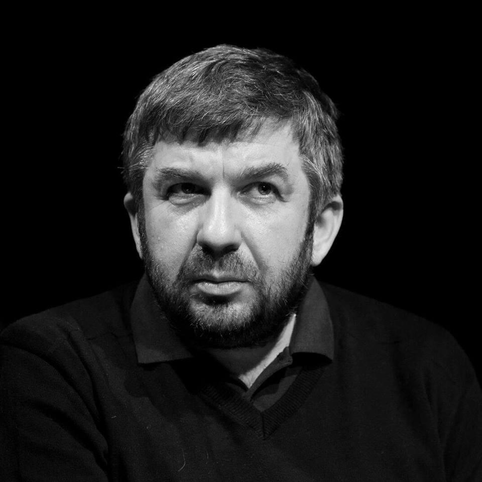 Марин Бодаков: Висококачествената поезия е почти невидима - и това е най-голямото й предимство