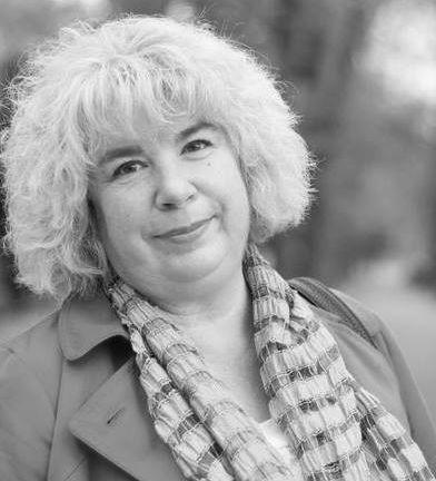 Радостина А. Ангелова: Обществото ни е тревожно и величае сложния, неразбираем език